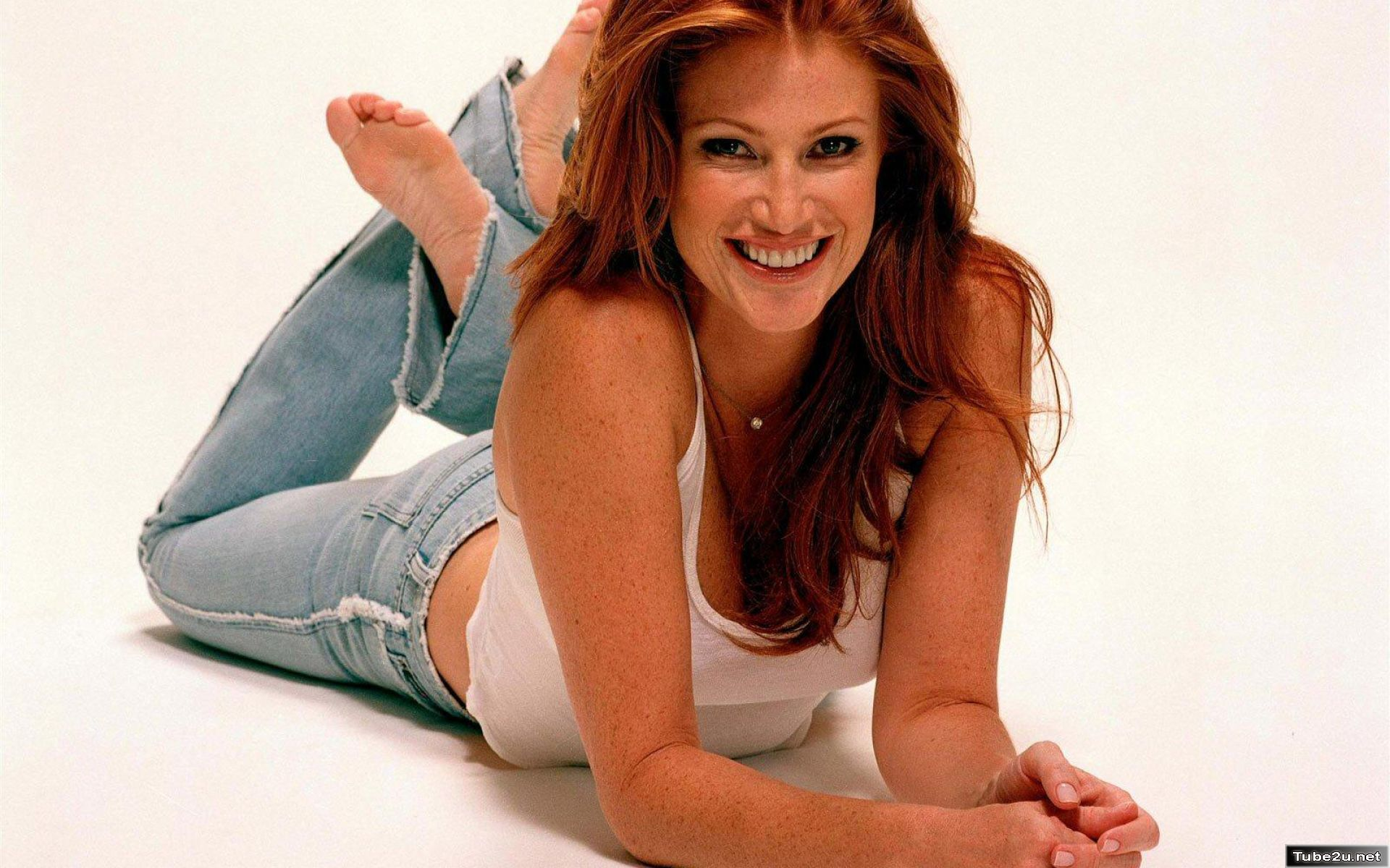 02-Angie-Everhart
