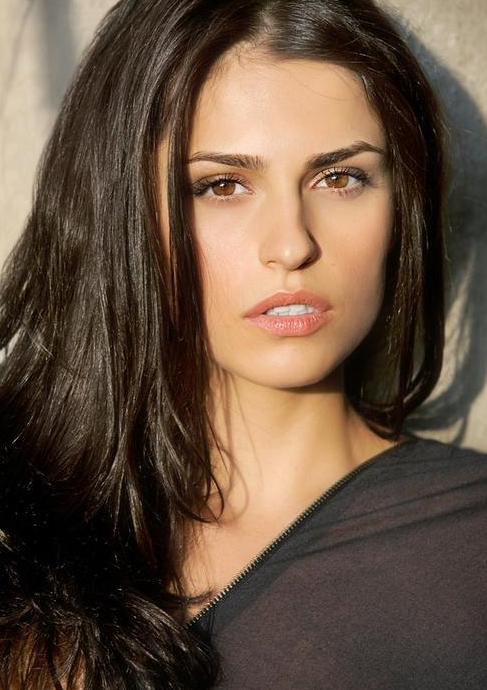 Raquel2